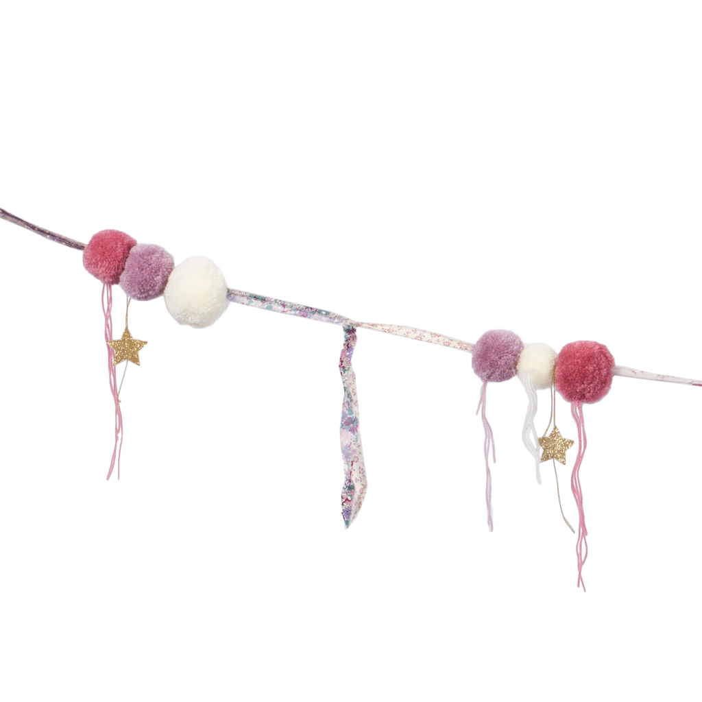 pompom-garland-mix-pink-front-detail-cut-out